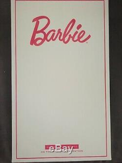 2018 Barbie Convention On the Avenue with Barbie Doll Mint LE 1/2000