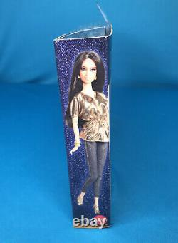 Barbie Basics Collection 2.5 Jeans Look 01 NRFB Gold, Silver & Copper Shoes Bags