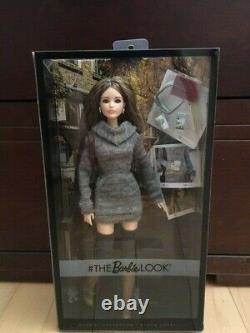 Barbie THE LOOK CITY CHIC STYLE SWEATER KARL LAGERFELD FACE DYX63 MINT & NRFB