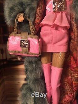 Kimora Lee Simmons Barbie Nib 2007 Gold Label Limited Ed. 12,500 Worldwide. Mint
