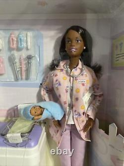 Mattel Happy Family Baby Doctor Barbie Doll 2002 African American 56727 HF-3