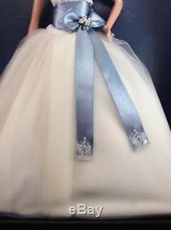 Monique Lhuillier Bride Barbie Platinum Label. MINT 2006 SIGNED RARE HTF