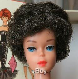Stunning Near Mint Vintage Brunette Bubble Cut Barbie in Box