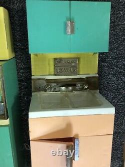 Vintage Barbie Reading Deluxe Dream Kitchen & Accessories Stove Fridge Sink Etc