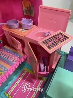 Vintage Mattel 1988 Pink Barbie Western Fun Motor Home Camper Van RV LOT withDolls